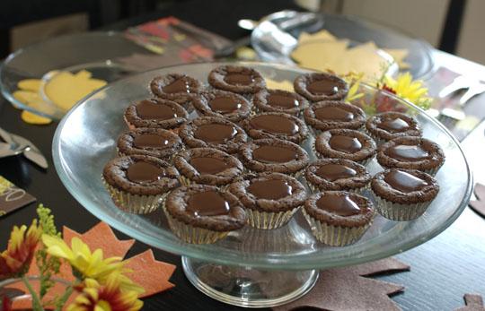 Caramel in Mini Chocolate Cupcakes