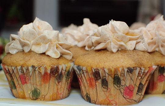 cinnamon honey cupcakes