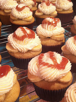 strawberry_sauced_cupcakes