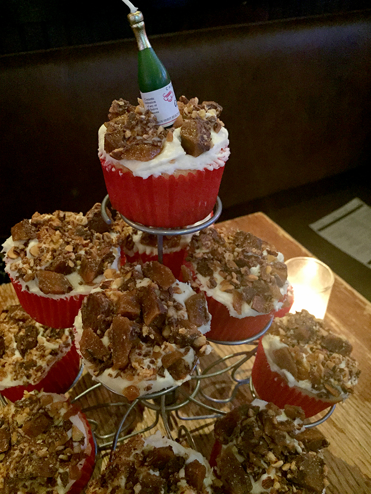 Toffee cupcakes (champagne candle)